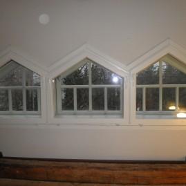 Vanhan puutalon ikkunat